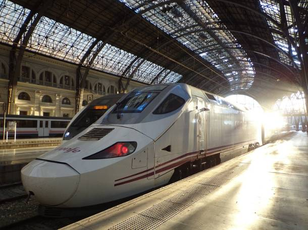 Polskie Koleje Dużych Prędkości będą jeździć z maksymalną prędkością 250 km/h