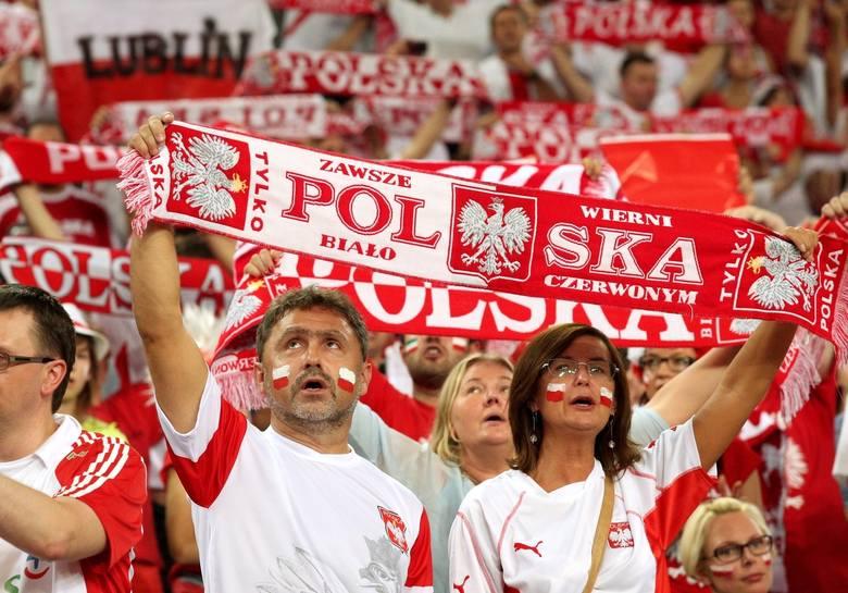 Polska – Anglia na Euro 2017.  Kibice z całej Polski już gromadzą się na kieleckim Rynku!