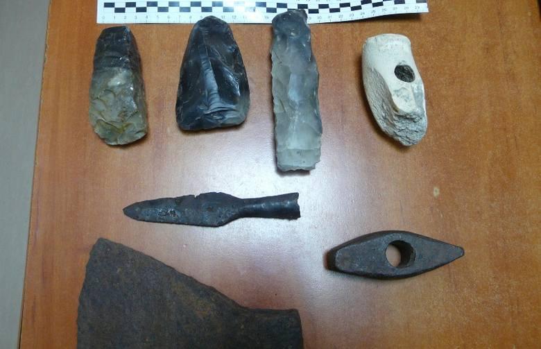 Podkarpacie: Archeologiczne przedmioty sprzed 6 tys. lat zatrzymane na granicy w Krościenku