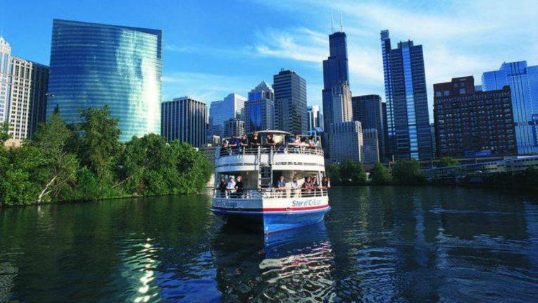 Podróż statkiem najbardziej obleganą formą zwiedzania Chicago