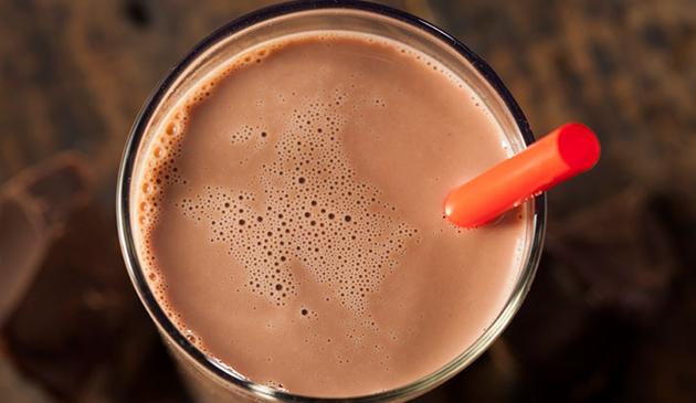 Amerykanie twierdzą, że czekoladowe mleko pochodzi od brązowych krów