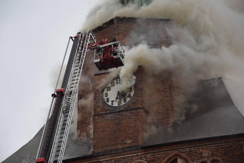 Po pożarze w katedrze w Gorzowie: W czwartek w Gorzowie ma odbyć się nadzwyczajna sesja sejmiku