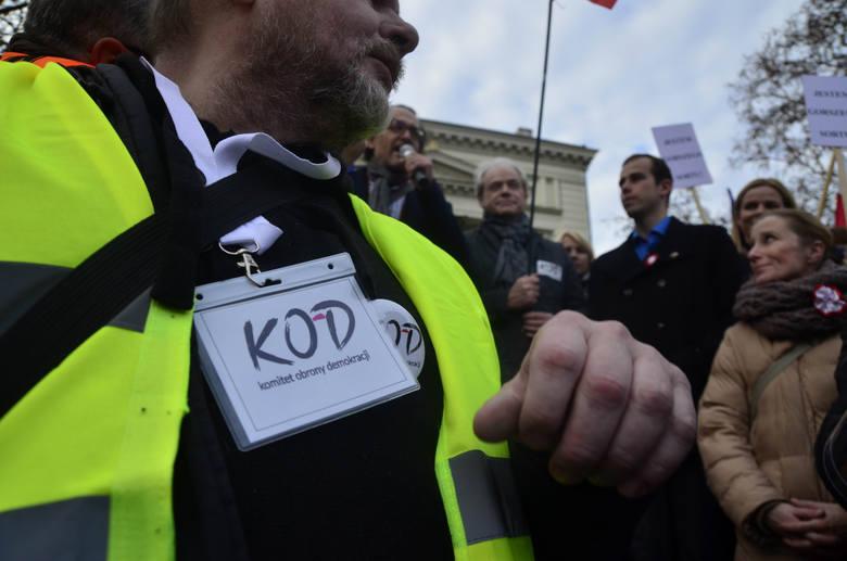 Gdańsk: KOD odwołał wiec na Placu Solidarności