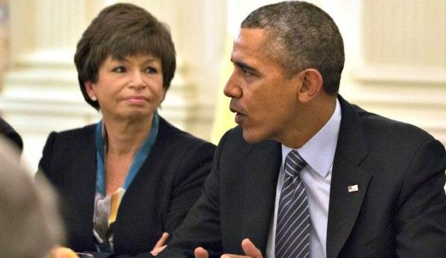 Valerie Jarrett napisze książkę o pracy w Białym Domu