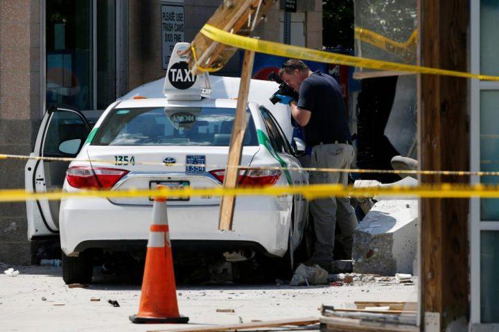 Samochód wjechał w pieszych w Bostonie, są ranni