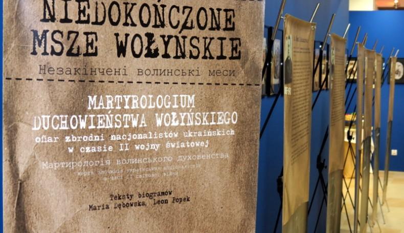 """W Sejmie otwarto wystawę """"Niedokończone Msze Wołyńskie"""""""