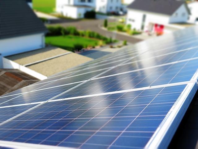 Kalifornia może być pierwszym stanem z wymogiem montażu paneli słonecznych na domach