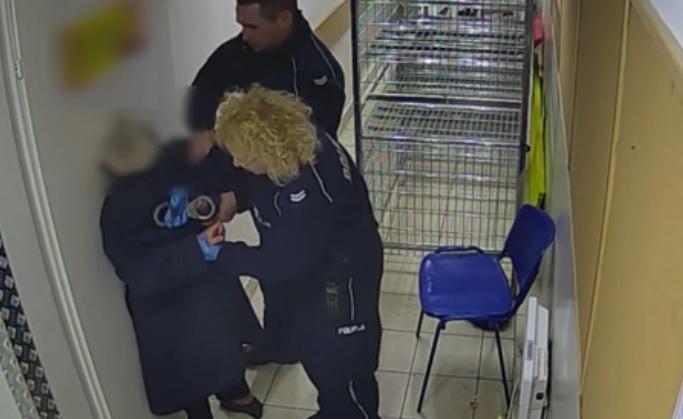 Wrocław: Agresywni wobec 82-letniej kobiety policjanci wydaleni ze służby