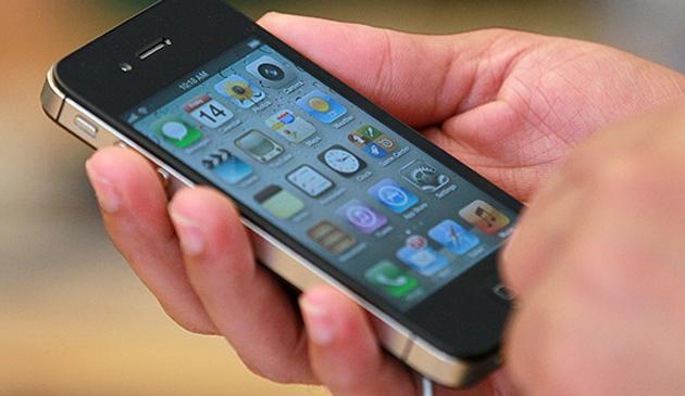 Telefony komórkowe szkodliwe dla zdrowia? Departament Zdrowia w Kalifornii wydał ostrzeżenie