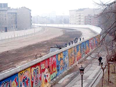 Niemcy: rocznica budowy muru berlińskiego