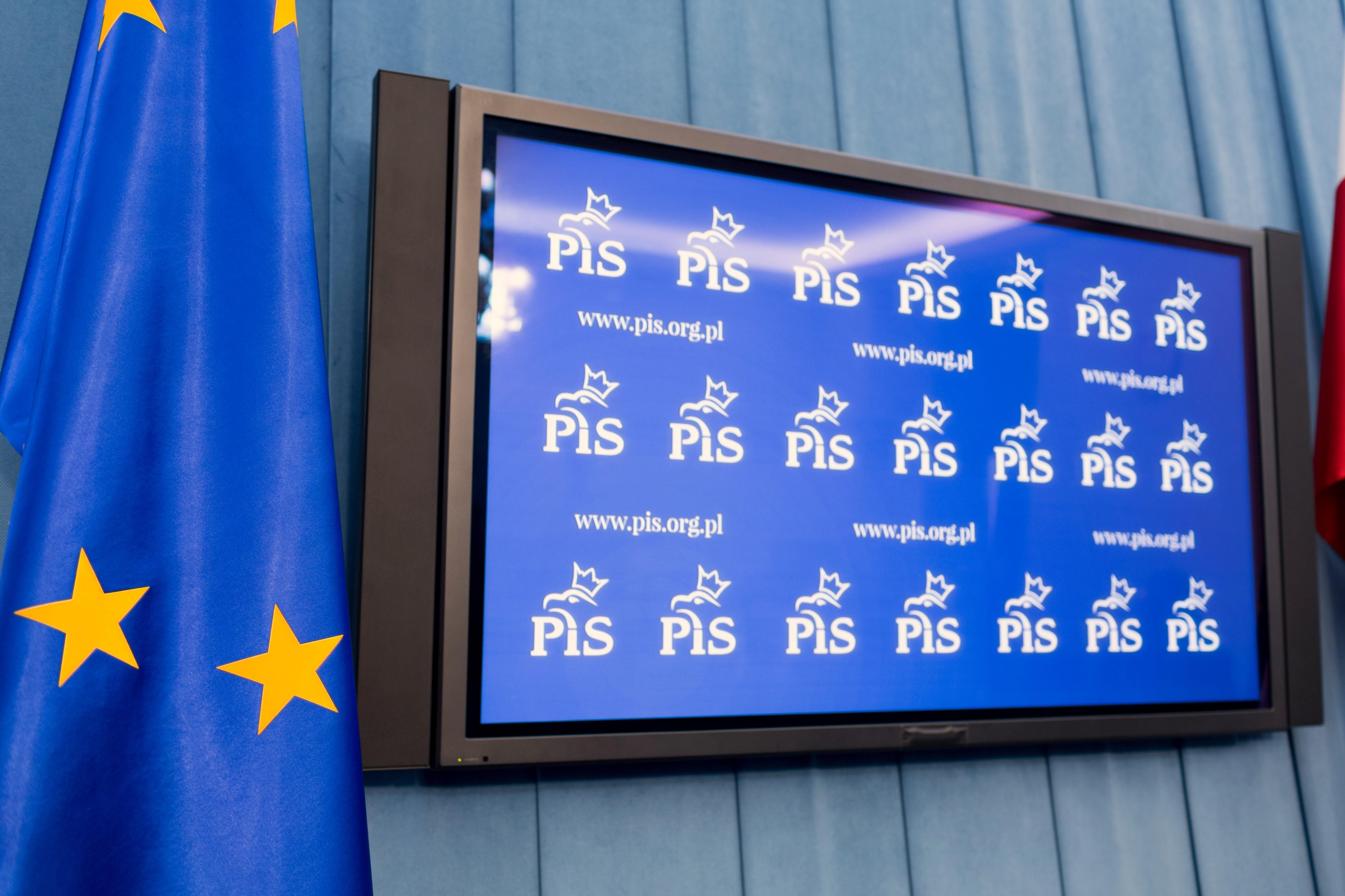 PiS składa do Sejmu ustawy samorządowe. Chodzi między innymi o zmiany w ordynacji samorządowej
