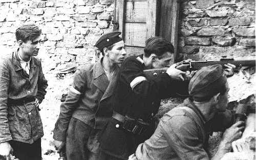 2 października 1944 roku upadło powstanie warszawskie