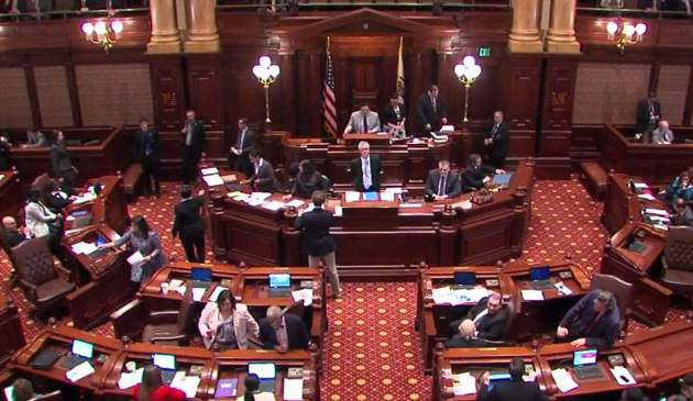 Senat Illinois zatwierdził podwyżkę stawki godzinowej do 15 dolarów