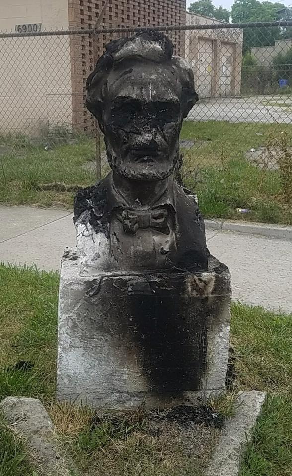 Ktoś podpalił popiersie Abrahama Lincolna w Chicago