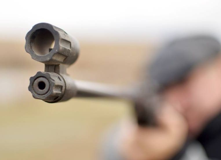 Świętokrzyskie: 52-latek zastrzelił się z wiatrówki przerobionej na broń ostrą