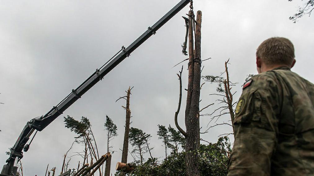 Meteorolodzy z zarzutami prokuratorskimi. Nie zarządzili najwyższego stopnia zagrożenia huraganowym wiatrem
