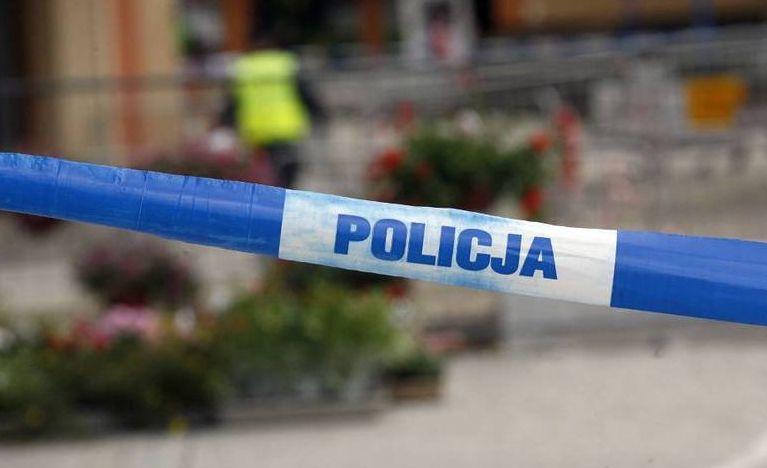 Nie żyje 50-letnia kobieta, a dziewięć osób jest rannych po ataku nożownika w galerii handlowej w Stalowej Woli