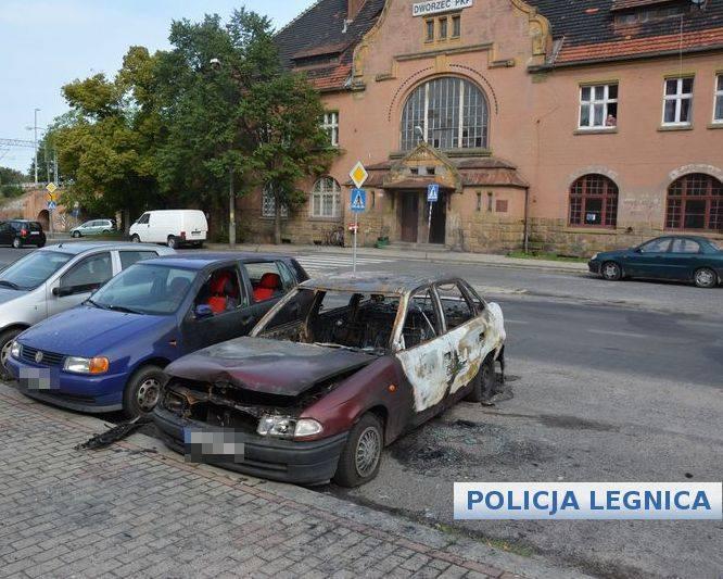 Dolny Śląsk: Spalił dziewczynie auto, bo poszła bez niego na imprezę