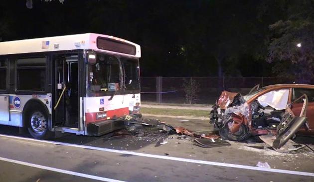 Wypadek z udziałem autobusu CTA. Jedna osoba nie żyje
