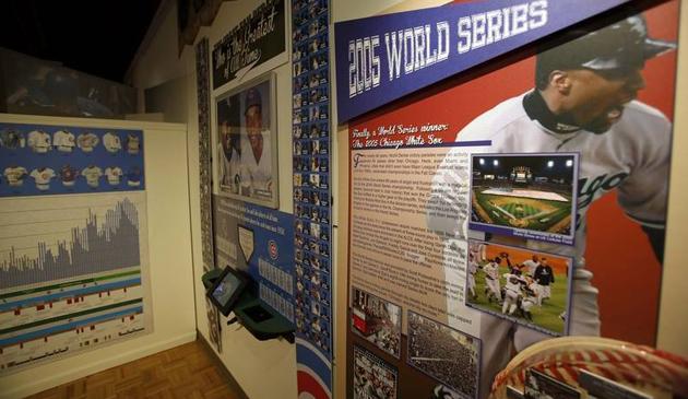 Wystawa poświęcona drużynie Chicago Cubs w Muzeum Historii
