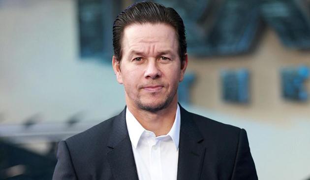 Kardynał Cupich zaprosił aktora Marka Wahlberga na spotkanie z młodymi katolikami