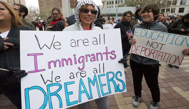 Aktywiści z Illinois  w Waszyngtonie bronią DREAM-ersów