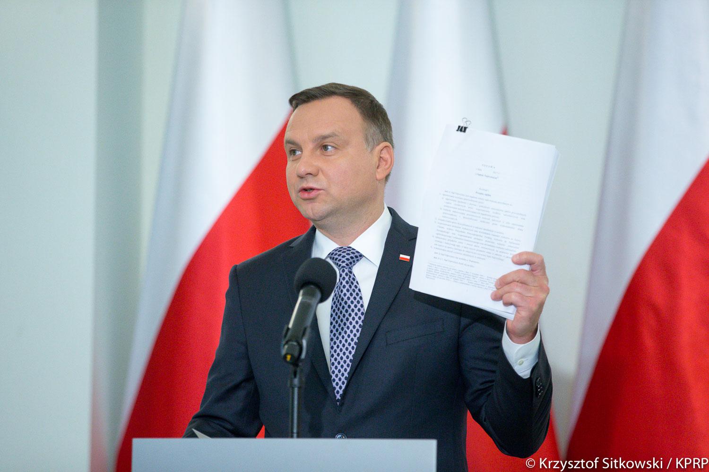 Prezydent 23 lipca złoży wniosek do Senatu o referendum ws. konstytucji