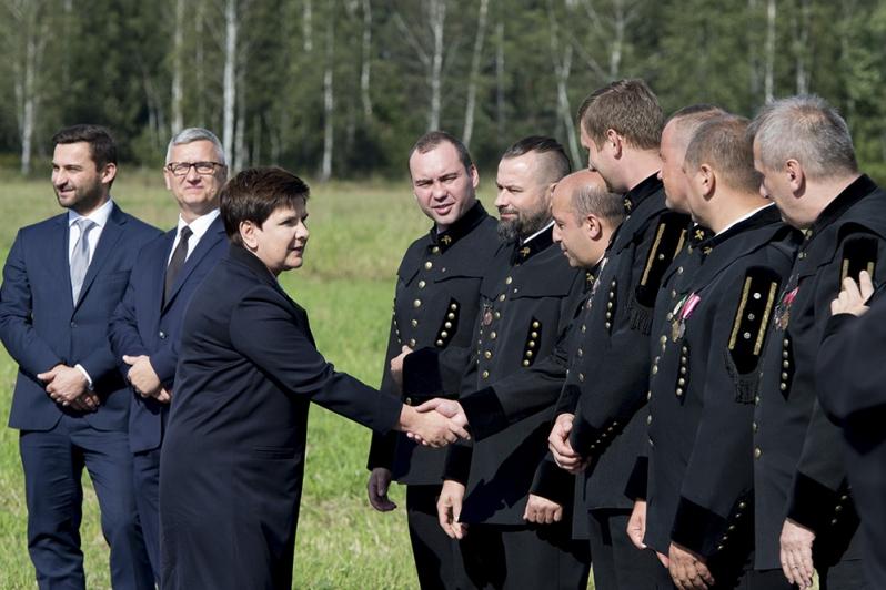 """Kopalnia """"Sobieski"""" będzie miała nowy szyb górniczy. Premier Beata szydło na przekazaniu placu budowy w Jaworznie"""