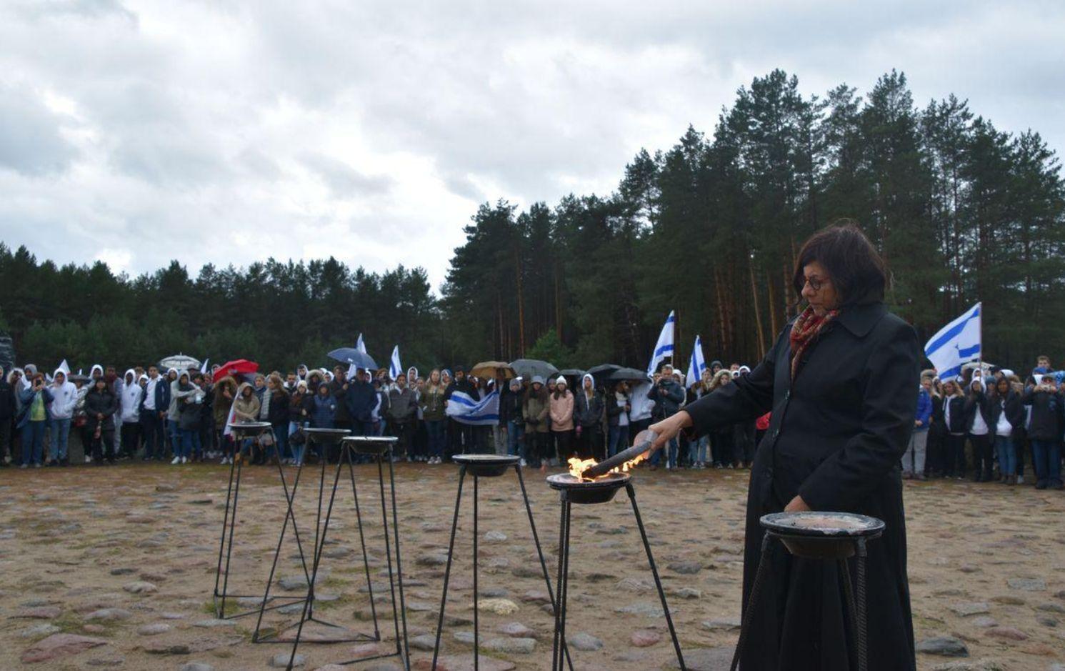 Młodzież polska i izraelska w hołdzie ofiarom Treblinki