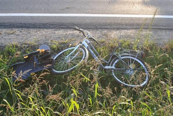 Policjant miał 2 promile. Kierował rowerem, wiózł roczne dziecko. Uderzyło w nich auto