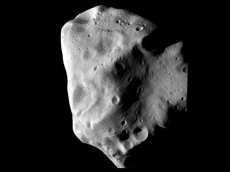 """Asteroida 2012 TC4 przeleci blisko Ziemi. Minie nas """"o włos"""" w czwartek 12 października"""