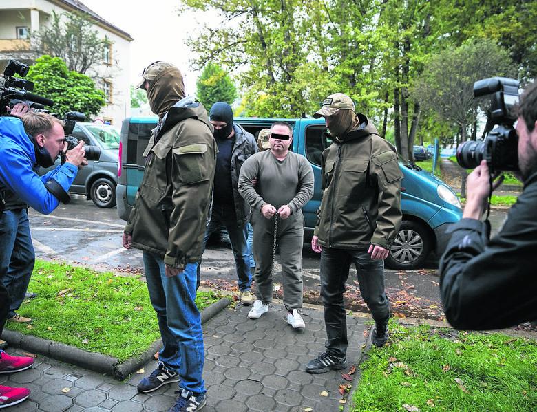 Kraków: Robert J., podejrzany o zamordowanie i oskórowanie 19 lat temu studentki, uznany niebezpiecznym więźniem