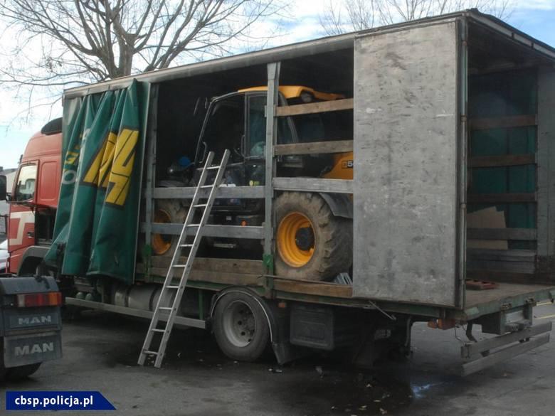 Poznańskie CBŚP rozbiło grupę kradnącą ciągniki i maszyny rolnicze