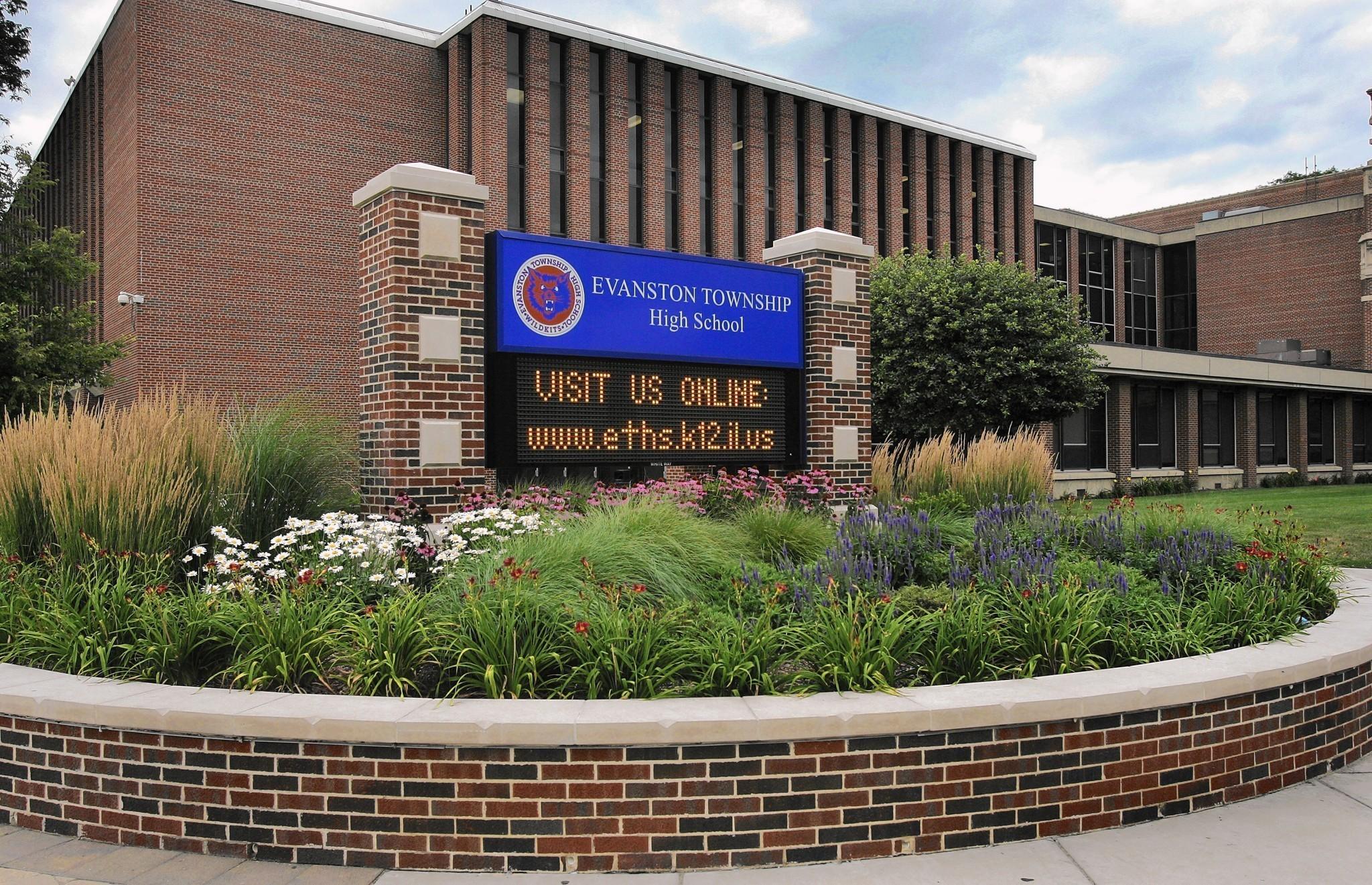 Były nauczyciel szkoły średniej z Evanston oskarżony o molestowanie seksualne uczniów