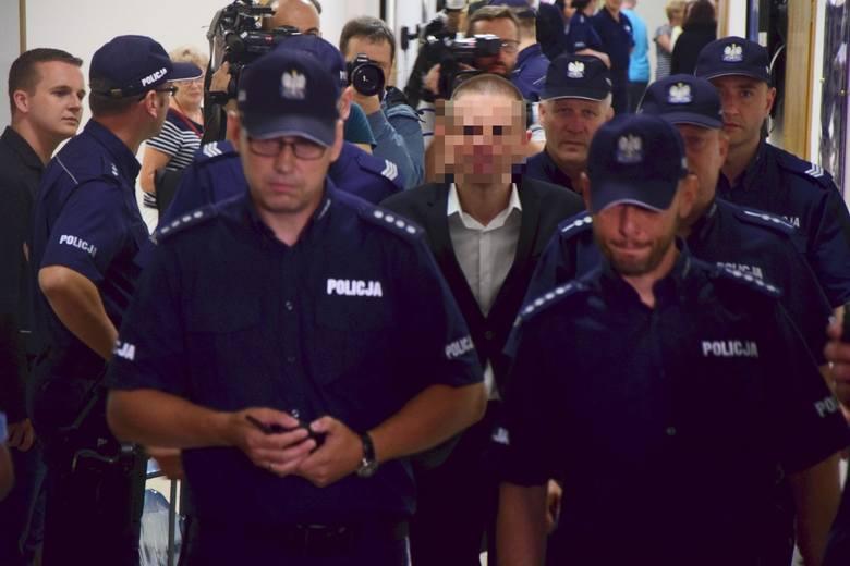 Amber Gold: Marcin P. przed warszawskim sądem. Przesłuchanie trwało… 10 minut
