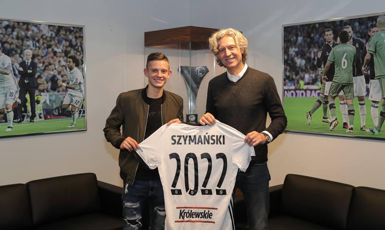 Legia podpisała nowy kontrakt z  Sebastianem Szymańskim