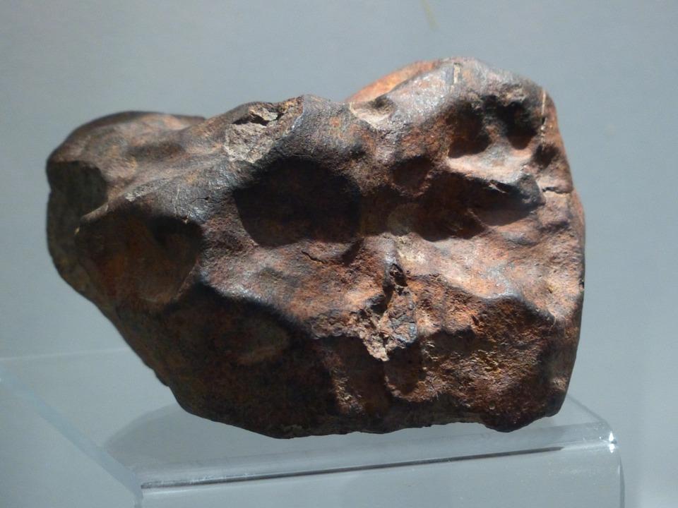 Najnowsza wystawa meteorytów w paryskim muzeum