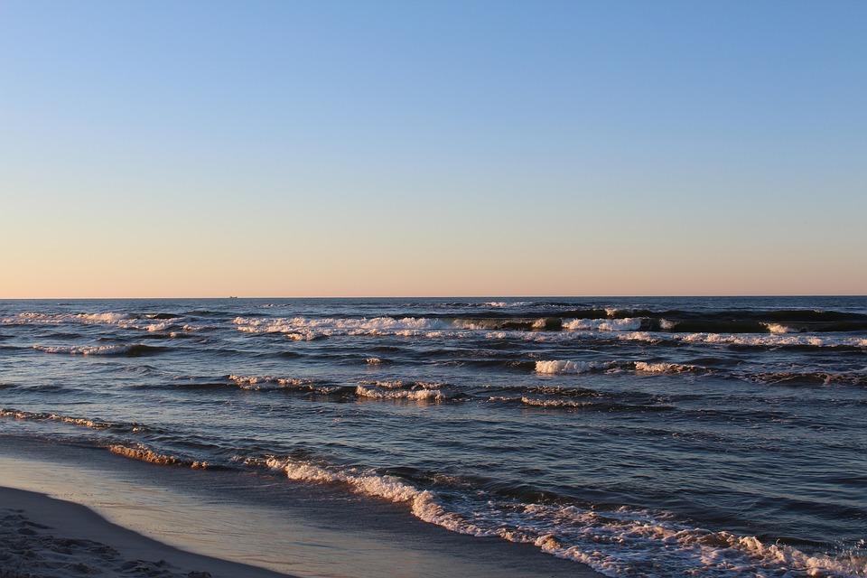 Nie żyje dwóch nastolatków, którzy kąpali się na plaży w Gdańsku Brzeźnie