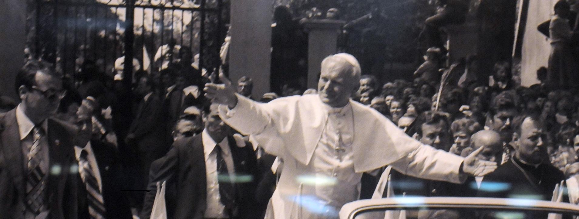 Dziś Dzień Papieski. W kościołach przypominane jest nauczanie świętego Jana Pawła II