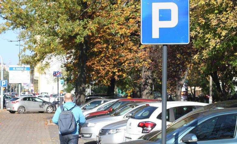 Uniwersytet przyjmuje żywność zamiast pieniędzy za złe parkowanie