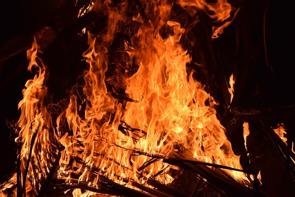 Milion złotych kary za majowy pożar składowiska odpadów w Zgierzu