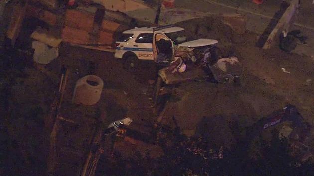 Radiowóz wpadł do dziury bo policjanci nie zauważyli robót drogowych  Dwóch oficerów rannych