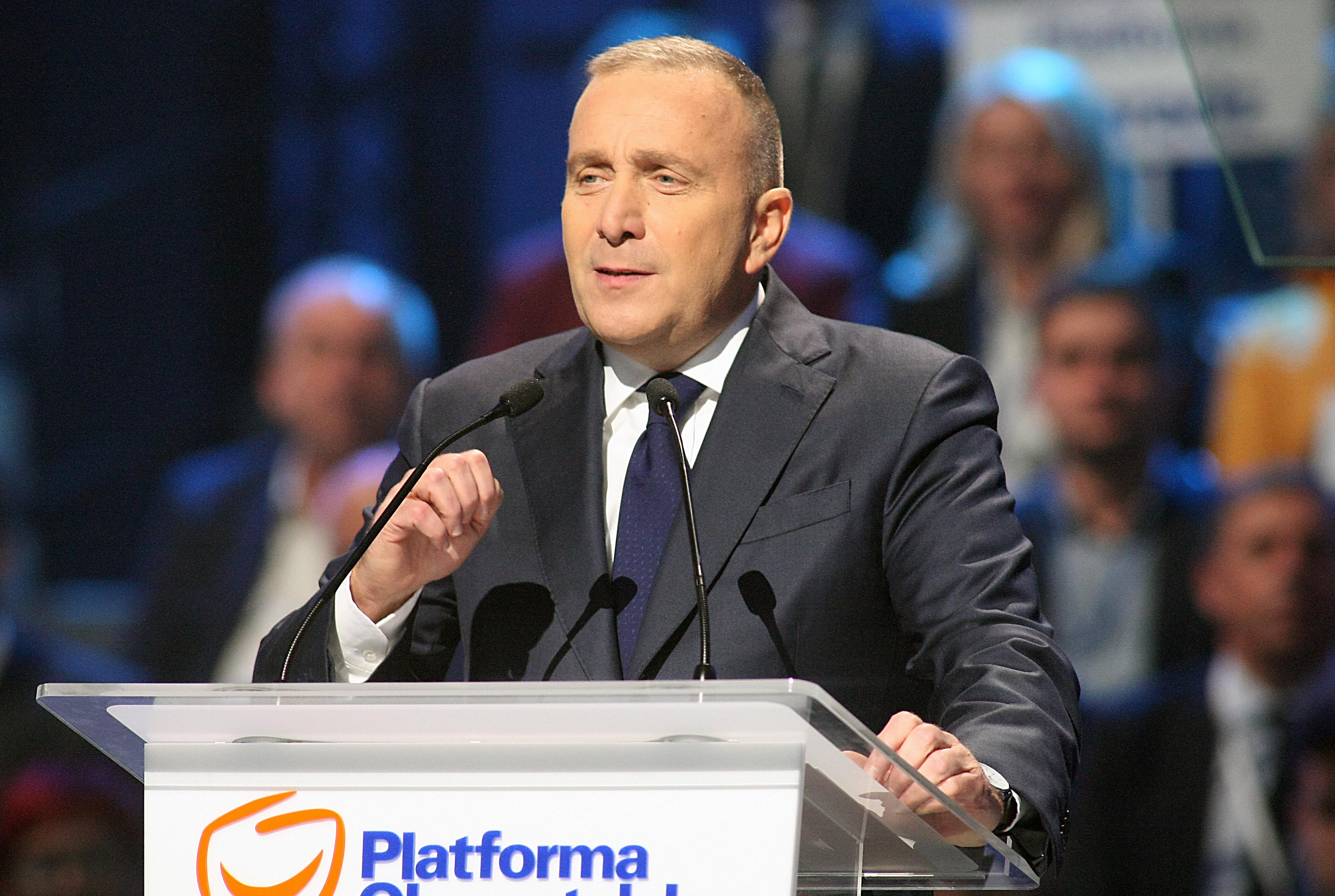 """Konwencja Koalicji Europejskiej w Poznaniu. Schetyna mówi o """"propagandowej szopce"""" na Stadionie Narodowym"""
