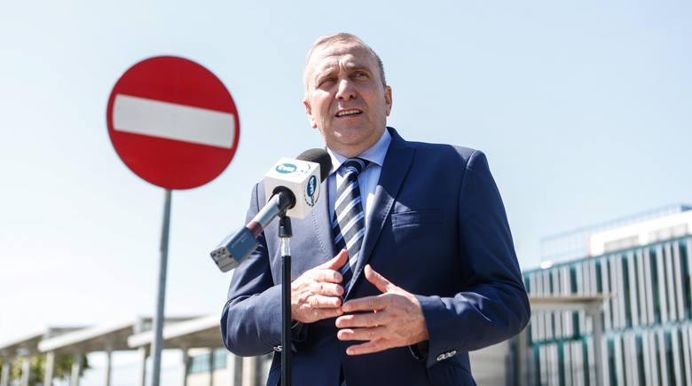 Morawiecki apeluje o wspólny udział w marszu 11 listopada. Schetyna krytyczny