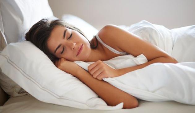 Odsypianie w weekendy może przedłużyć nam życie