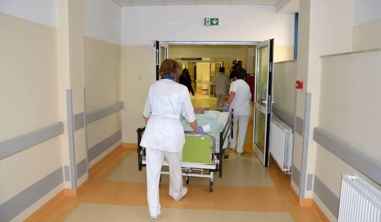 Ofiary napaści nożownika w Stalowej Woli w ciężkim stanie