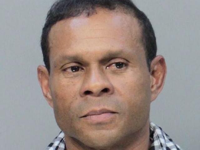 Groził, że wysadzi bombę w centrum handlowym w Miami. Obywatel Hondurasu przyzna się do winy