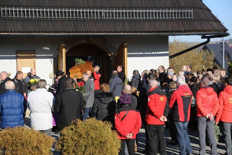 Tatry. Ratownicy TOPR pożegnali swojego zmarłego kolegę