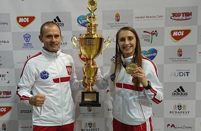 Iwona Nieroda i Karolina Dziedzic mistrzyniami świata w kickboxingu