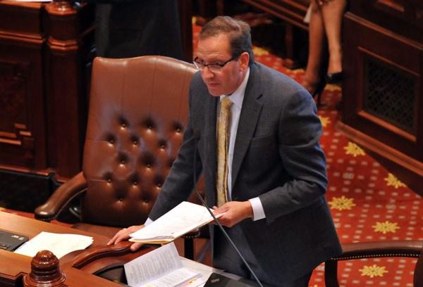 Senator Ira Silverstein, oskarżony o molestowanie seksualne rezygnuje z przywództwa komitetu Demokratów